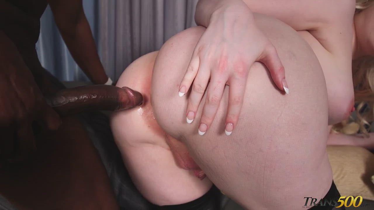 Big ass tgirl taking bbc : video clip