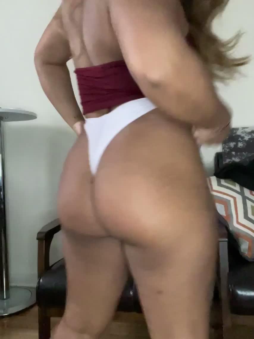 Come spank my Desi booty please : video clip