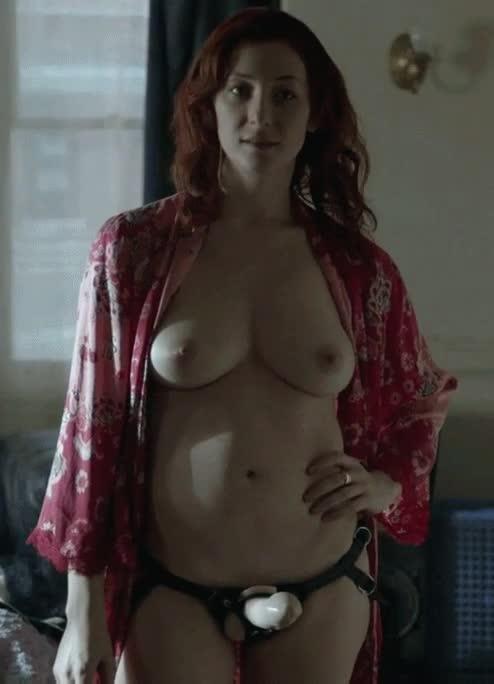 Isidora Goreshter in Shameless [S4E12-2014] : video clip